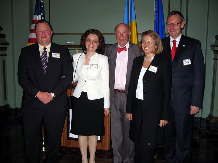 Hon. George Roth, Romanian Charge d\'Affaires, Daniela Gatman,former U.S. Secretary of State George Shultz,Hon. Consul General Dana Beldiman and the Consul General of Germany in February, 2007